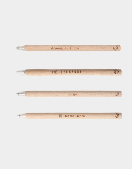 Zusss: Houten pen met tekstje